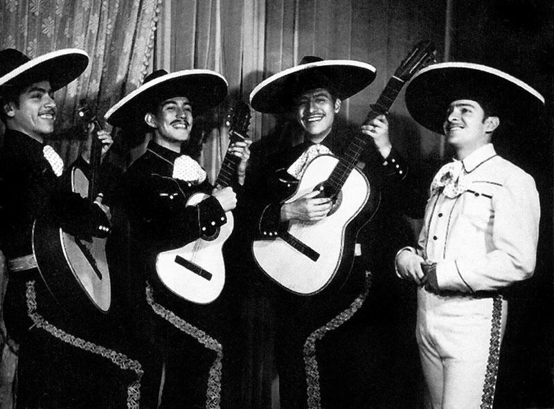 José Alfredo and The Rebels at the XEL.
