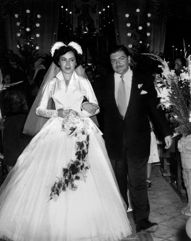 José Alfredo and Paloma Gálvez on their wedding day,  June 27, 1952.